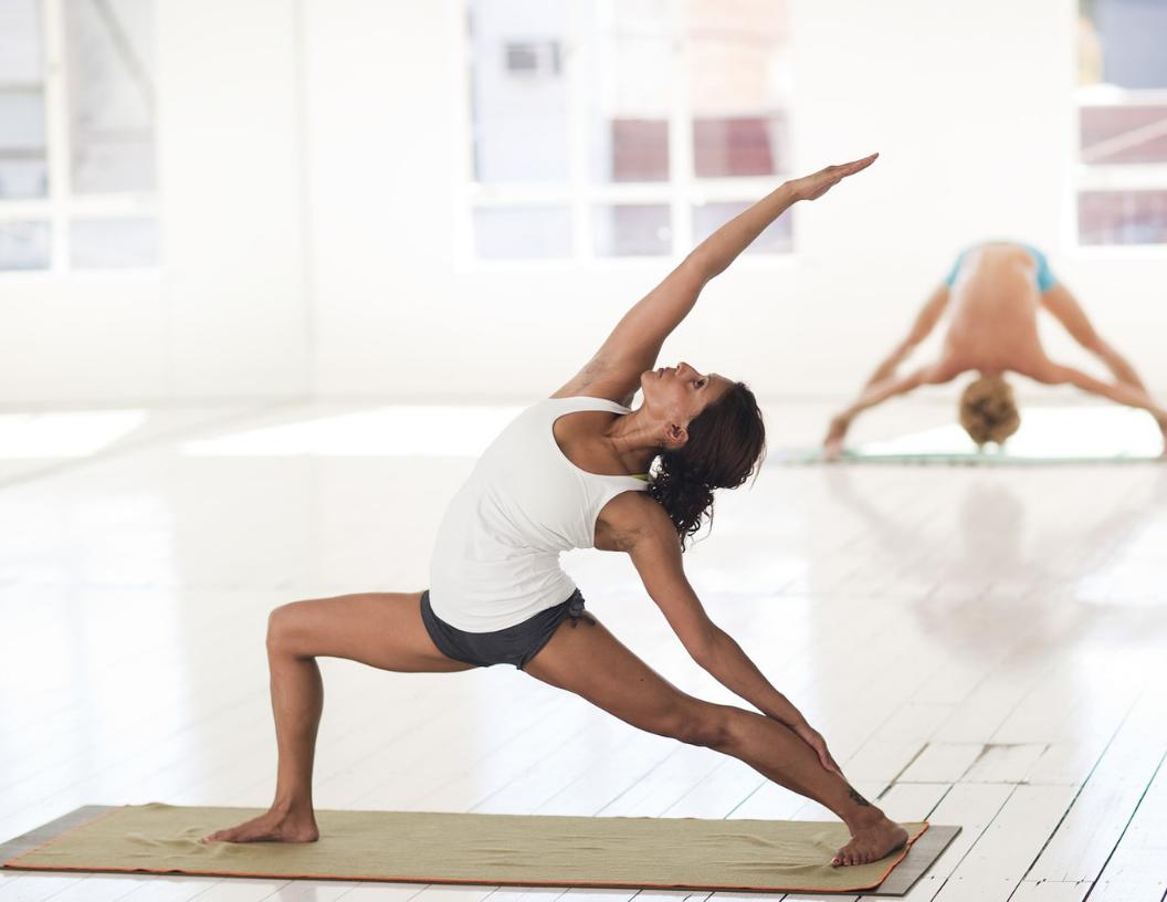 Profesor/a de Yoga Experto/a en Vinyasa Contemporáneo