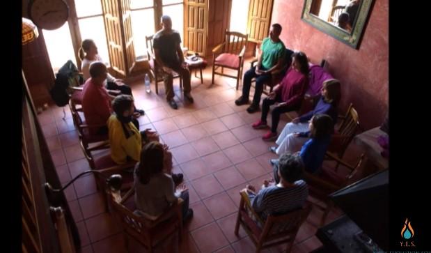 Sesión de meditación sentados